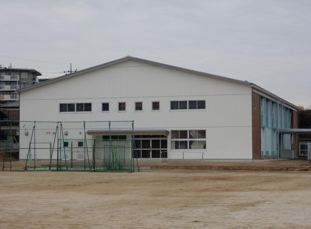 我孫子市立湖北台中学校屋内運動場